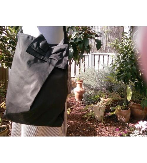 Cloth bag with ribbon